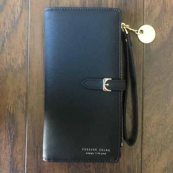 Wallet / wristlet